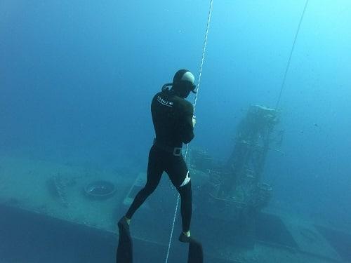 אימון צלילה חופשית עם מדריך